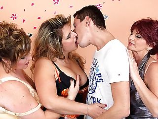 Three Matures Ladies Sharing One Hard Prick - Maturenl