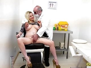 Oldnanny Two Matures Ladies Getting Off And Faux-cock