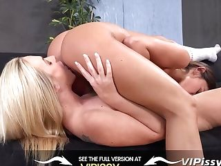 Vipissy - Adele Vinna Reed - Cootchie Pissing