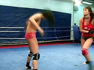 Rosee Fingerblasting Nilla's Snatch During A Rough Fight