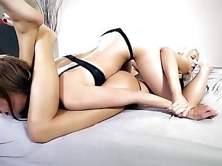 Free Premium Movie Aggressive Blonde Vs Brunnete In Sexfight W Foot Worship And Quenning