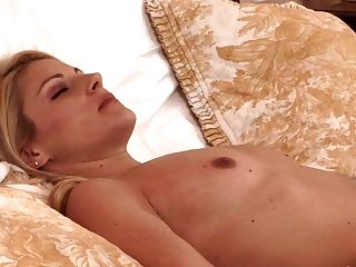 Sandy-haired Is On The Edge Of Nirvana After Sensuous Orgy With Lezzy Samantha Ryan