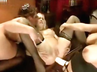 Awesome Big Butt Cougar Fist-fucking Squirting
